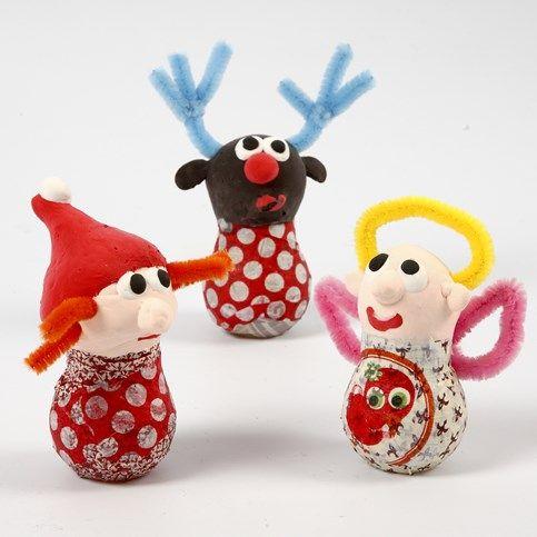 13332 Kerstfiguren gemaakt van gloeilampen, Silk Clay en chenilledraad