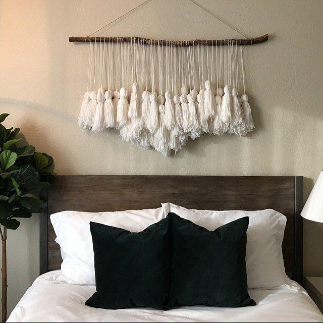 Boho Wandbehang, Wandbehang, Indigo hängen, Garn Girlande, Birkenzweig, weiße Wandbehang,