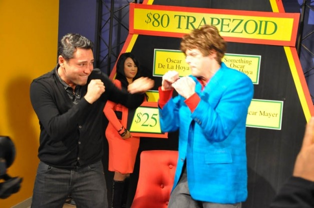 Boxing Champ Oscar De La Hoya takes a shot at FOX 2's Tim Ezell, before they played 80 Dollar Trapezoid. April Simpson's checks them out.