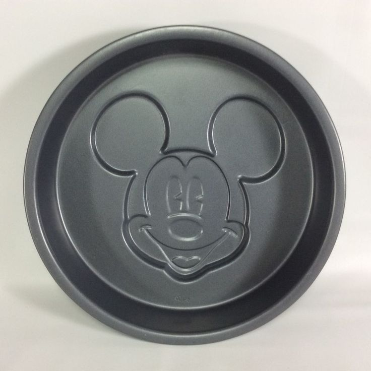 Disney Family Bakery Mickey Mouse Cake Pan 10.5 inch Non Stick Round Circle #FamilyBakery
