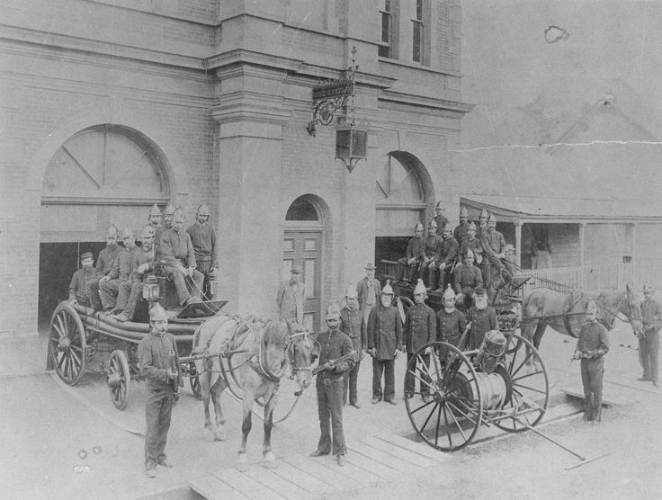 Maryborough, Queensland, 1895 - Maryborough fire station, with appliances out front
