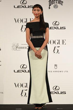 杏(モデル・女優)/VOGUE JAPAN Women of the Year授賞式のドレスをチェック。