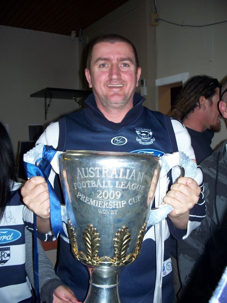 Craig with the 2009 grandfinal cup