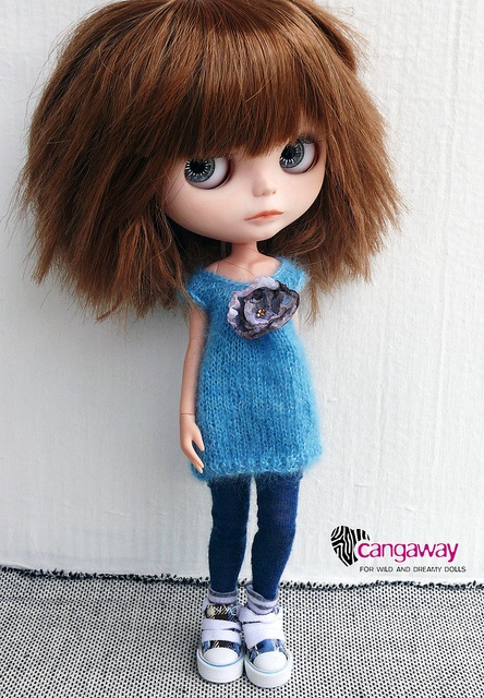 Gorgeous hair!! Love this outfit for my Blythe Doll <3