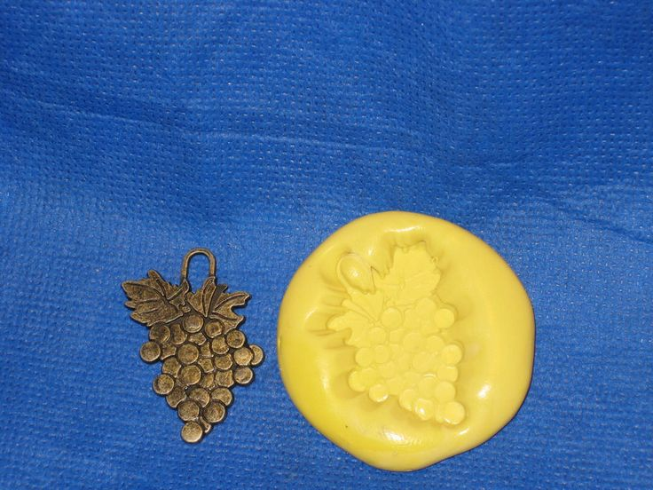 Grapes Charm Silicone Push Mold #10 Resin Clay Candy Fondant Jewelry  #LobsterTailMolds