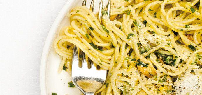 Lemon Chicken Pasta with Parsley Recipes | Ricardo