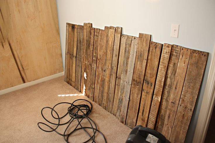 how to make a chair out of wood pallets woodworking. Black Bedroom Furniture Sets. Home Design Ideas