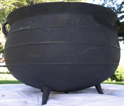 Antique Richmond Stove Co Large Cast Iron Footed Cauldron