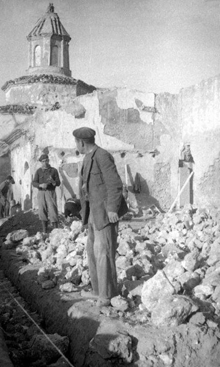 Spain - 1937. - GC - Belchite en ruinas.