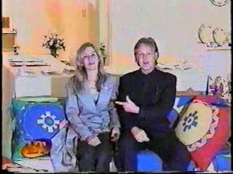 Paul & Heather McCartney - Entertainment Tonight (1-8-99) Heather opened up a new business and her dad Paul ( one of the Beatles )  was by her side as she showed off her goods ... some very nice things and what a sweet dad !!!