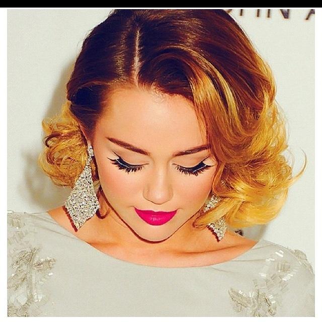 Beautiful makeup & Hair!! She has come very far since Hannah Montana!