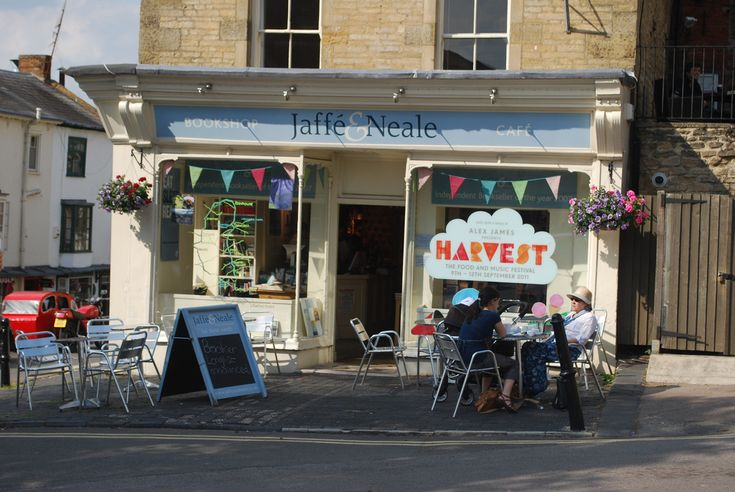 This is my closest café to home, situated in Chipping Norton. Jaffé & Neale is the resort of most of our family coffee inspiration outings, providing a wealth of interesting and ever-varying books to browse & buy before sitting down for tea or hot chocolate in the bright front window seating area. We like the location not only for its proximity to home but it spills into the centre of the town, a perfect location to people watch or convene after charity shopping. Go for the flapjack.