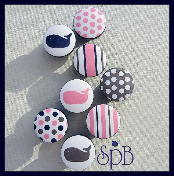 Boutons nautique • baleine rose boutons • Stripe tiroir tire • pois boutons • boutons gris • rose et marine pépinière • boutons sur commande