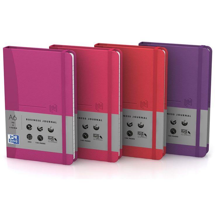 Oxford notatbok Signature, stiv innbinding, 105x148mm, 144sider, 90g/m², assorterte farger (rosa, fuksia, lilla, rød)