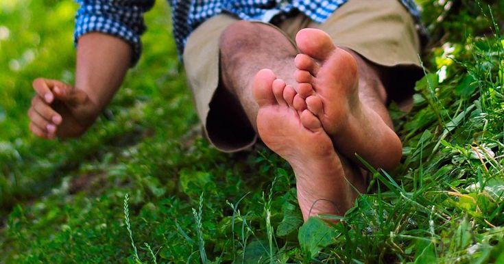 L'aceto di mele biologico ha tantissime proprietà. Sapevate che è un toccasana anche per i piedi? Ci aiuta con problemi come funghi, cattivi odori o il piede dell'atleta. Vediamo insieme tutti i benef