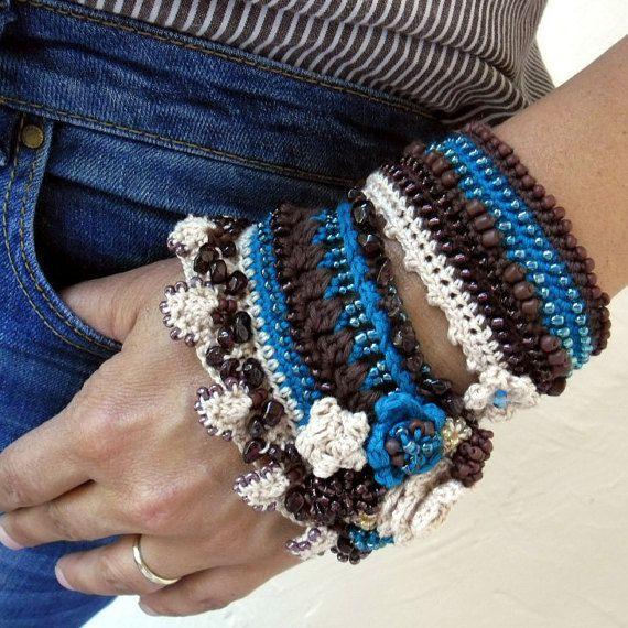 Crochet Bracelet Cuff Beige Cream Blue Brown por SvetlanaCrochet