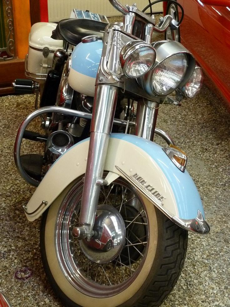 Harly-Davidson | A Haley Davidson Duo Glide Motorcycle