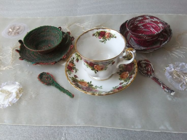 Feltnitnstitch textile teacups