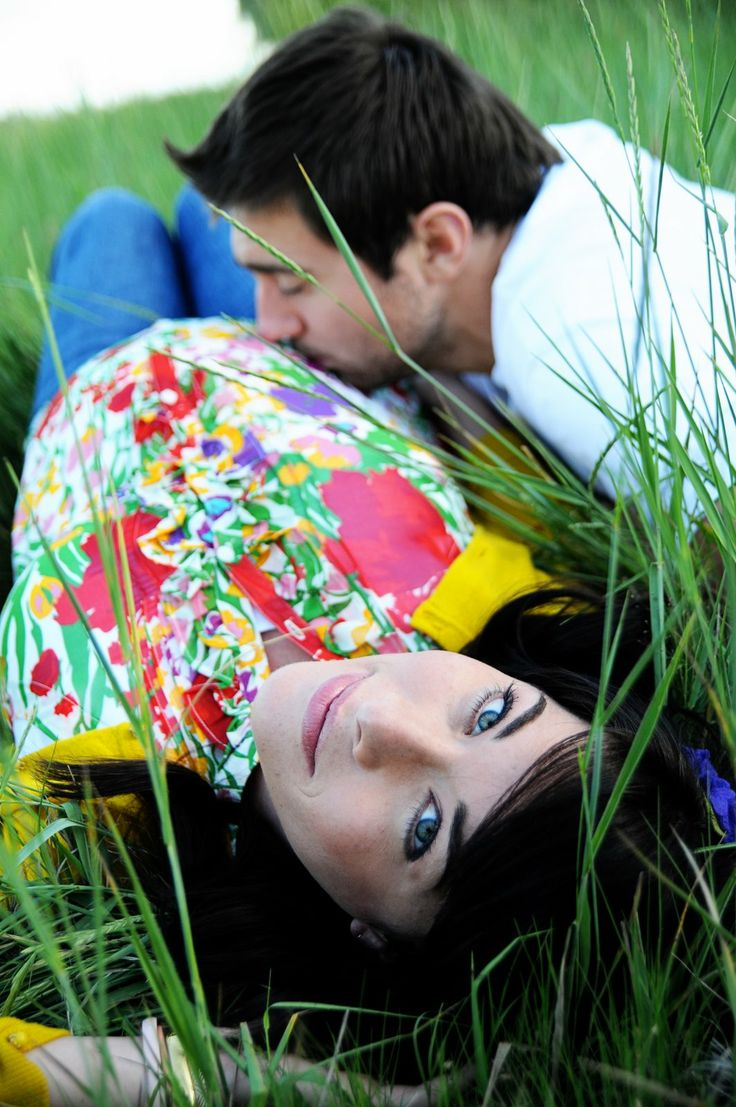 Great idea for an outside photo shoot!