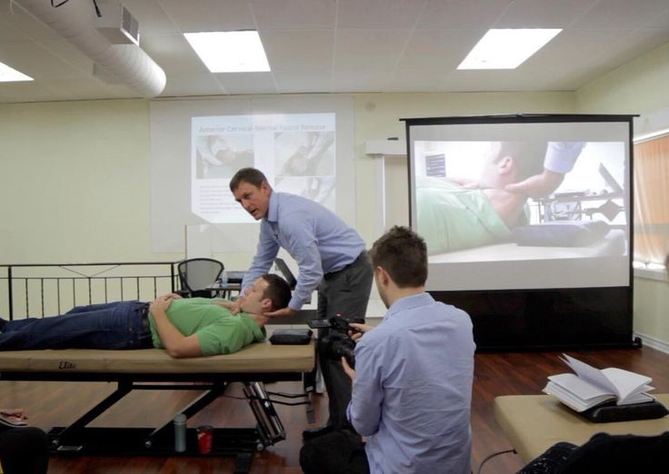 On Sunday November 6th we were visited by two professors from A.T. Still University in Kirksville Missouri!  Eric Snider is shown here lecturing with our live display!  Photos from their visit are now on Facebook: http://ift.tt/2g8CuRZ #FoundersWeekend #CAOGrandEvent #osteopath #osteopathy #HamOnt #CAO #ManualTherapy #AlternativeMedicine #Demonstration #Love #osteopathic #HamiltonOntario #HigherEducation #Health #ATStill #picoftheday #instagood #Instahealth #Instalike #PhotooftheDay #Anatomy…