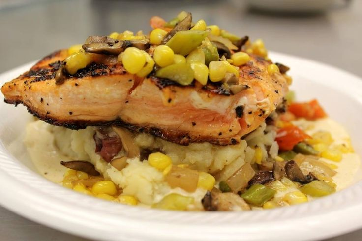 Desporte & Son's Seafood & Deli in #Biloxi is one of the oldest seafood shops in Mississippi and their deli has famous lunch specials.