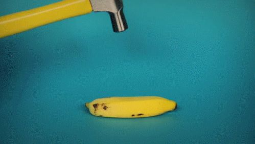 Is there anything as satisfying as watching these bananas get smashed?   22 Optical Illusion GIFs That Will Freak You Out