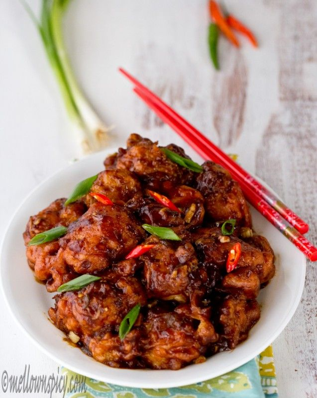 Gobi Manchurian: Crispy and crunchy cauliflower fritters soaked in a tangy, sweet and spicy sauce.