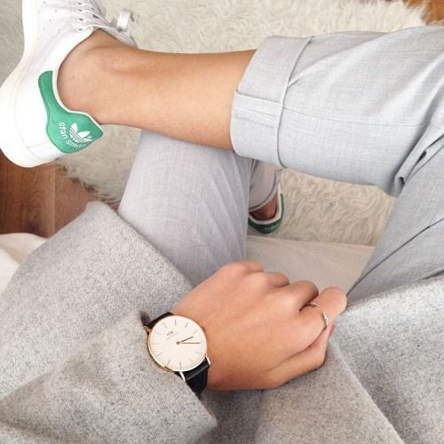 Girl style - Adidas Stansmith - Watch - Grey pants