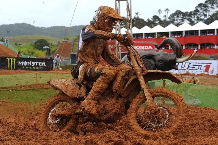 Mud biker Beto Carrero 2012