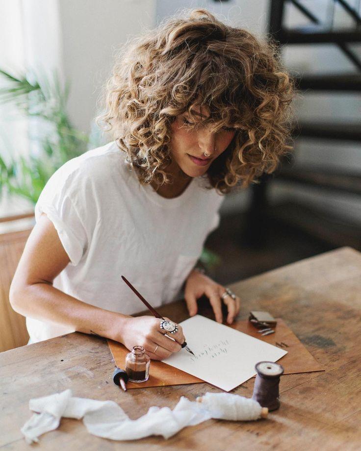 coiffeur cheveux ᘠ coupe coiffure frisés blond ondulé haircut haar frisur / paris
