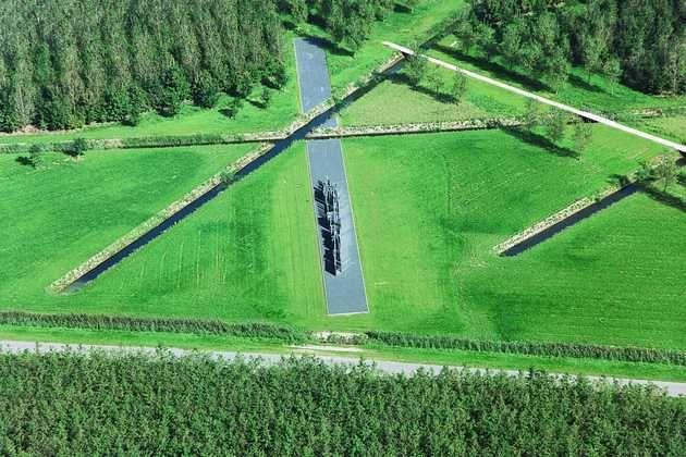 Daniel Libeskind, Polderland Garden of Love and Fire (1992-1997) in Almere Pampus. © Gert Schutte, Museum De Paviljoens