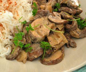 Beef Stroganoff: 320 Kcals Per Serving