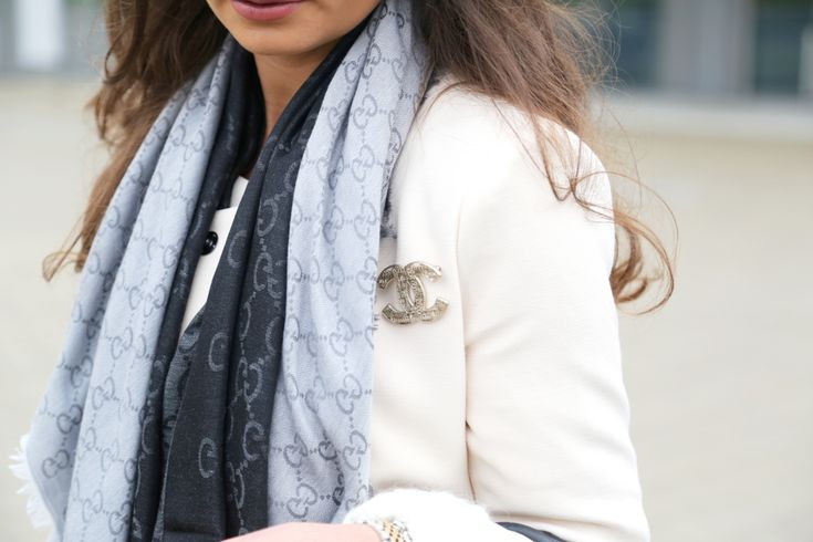 outfit-details-fashionhippieloves-chanel-brooch-silver-gucci-scarves-frey