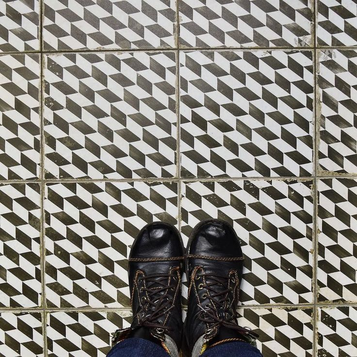 Sometimes it's ok to look down. Especially if there is something as unique as our geometric and aged Kings Espiga under your feet.#tileaddiction #ihavethisthingwithfloors #ihavethisthingwithtiles #design #interior #interiordesign #tilestyle #tile #architecture #somertile #floor #floortiles #wall #walls #walltiles #somertilestyle #ceramic #ceramictile #interiorstyling #home #house #kitchen #bathroom #decor #homedecor #tiles #patterned #patternedtile #pattern #geometric by somertile