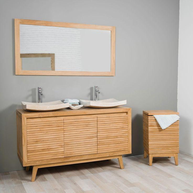 Cet élégant meuble sous vasque s'adaptera parfaitement à votre salle de bain, ces trois portes lattées munies d'étagères et ses pieds inclinés lui apporte un style vintage et design.  Très pratique pour ranger tout vos produits et accessoires de toilette comme vous le souhaitez.  Pour une salle de bain harmonieuse n'hésitez pas à l'agrémenter d'une colonne ou du bac à linge de la collection Nordique.