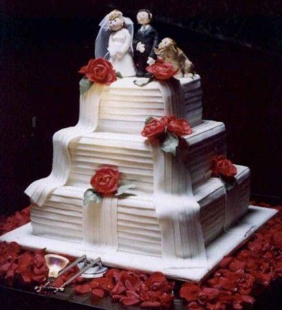 bolo quadrado de 3 andares de casamento