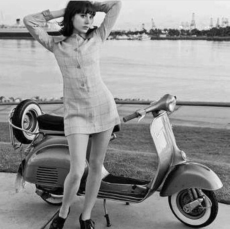 Vespa, Chicas En Moto And