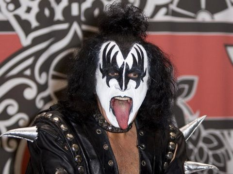 Musica: #Kiss: #Gene #Simmons senza trucco in concerto con la sua nuova band - VIDEO (link: http://ift.tt/2maFTBD )