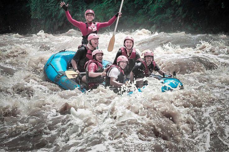 Selamat Pagi Sobat Progo,, Trip ini adalah trip Progo Atas. Ada yang tau debit air pada foto berapa?? www.progorafting.com  Follow juga Sosial Media kami : Instagram :@progorafting Google+ : +PROGO RAFTING MAGELANG Twitter : @progorafting Facebook : Progo Rafting Youtube : http://bit.ly/20fbX6y #progorafting #raftingelo #arungjeram #exploremagelang #kotamagelang#wonderfullindonesia #pesonaindonesia #visitjawatengah#raftingmagelang #raftingmurah #magelang #puriasri #explorejateng#progohulu