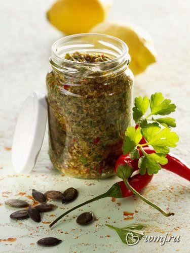 Привет из Италии: новые рецепты соуса песто.....Песто с петрушкой.....Песто с мятой..... Песто по-австрийски из тыквенных семечек..... Песто с вялеными томатами....Песто со шпинатом...