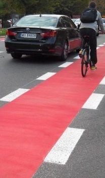 Korotyńskiego z pasami dla rowerzystów - http://tvnwarszawa.tvn24.pl/informacje,news,korotynskiego-z-pasami-dla-rowerzystow,180892.html