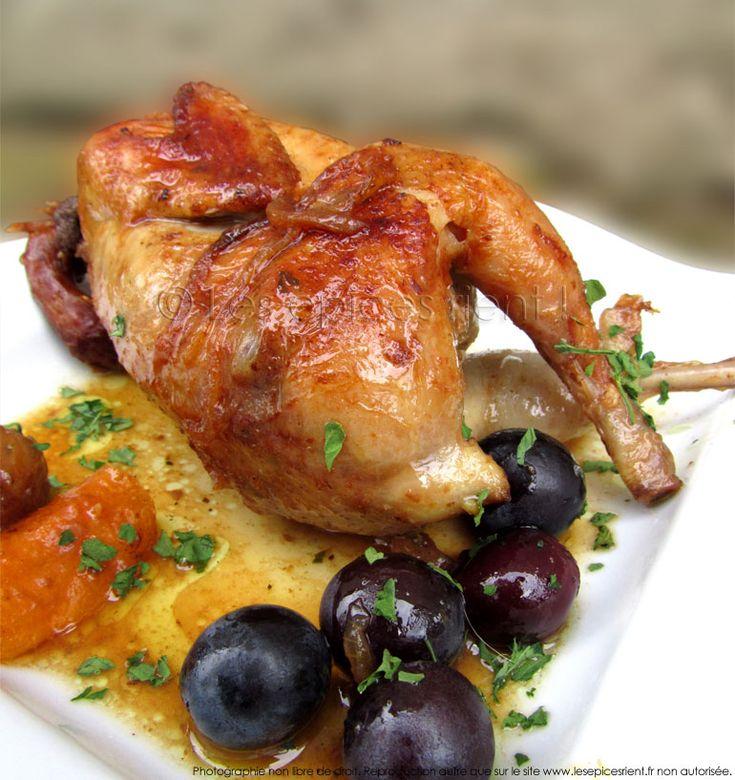 La caille est facile à cuisiner. Sa chair est délicate, et lorsqu'on lui accorde la meilleure attention en cuisine, c'est un met absolument savoureux... Encore faut-il en maîtriser sa cuisson ! On a souvent l'habitude de ...