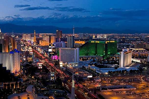 Las Vegas Strip - California Dreaming Tour