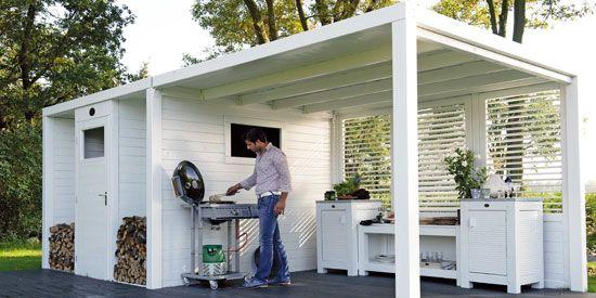 Dankzij de overkapping bij tuinhuis Sydney kun je ook bij minder mooi weer de barbecue aansteken