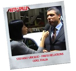 Opel al Motor Show 2012 [video] -  Scritto da Lisa Dalla Via in Motor Show 2012 -   Il nostro secondo appuntamento del Motor Show 2012 è con Stefano Virgilio, Press Relations Manager Opel Italia. Assoluta protagonista dello stand Opel e della nostra intervista è l'Opel Adam, presente nello stand in svariate e coloratissime versioni.