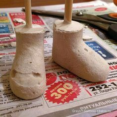 Здравствуйте, мои рукодельные. Хочу поделиться одним из способов изготовления кукольных колодок для обуви. Я тут смешала разные варианты и немного