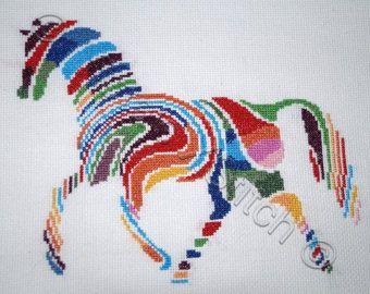 Tribal wolf - moderne geteld cross stitch kit Cross stitch kit met hele steken alleen geteld. Opmerking: het ontwerp wordt niet afgedrukt op de stof  Kit bevat: patroon, 14 ct aida, draden pre wond op de kaart klossen, nld en instructies.  Grootte voor 14 ct aida: 23 x 32 cm (9.1 x 12,6 inch)  Artwork door VectoryOne, in licentie gegeven door Vectorstock  Verzending uit het Verenigd Koninkrijk. Levering duurt meestal 2 weken uit UK naar VS  Let op: dit is niet beschikbaar als een patroon…