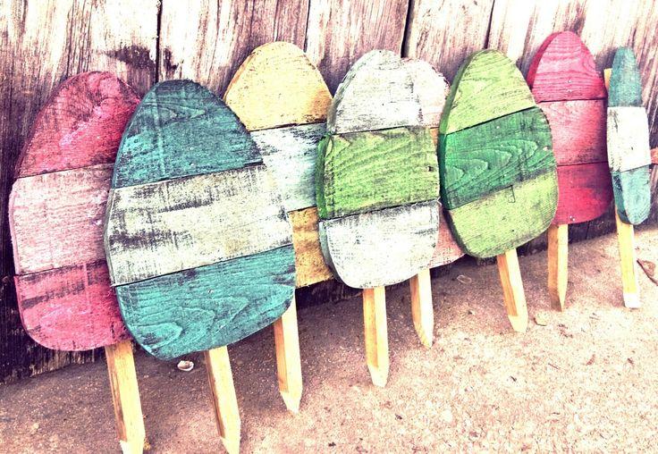 Easter Decoration, Easter Kids, Easter Yard art, personalized eggs, Rustic easter decor, Rustic egg decor, Yard stake, Personalized Easter by PaePaesPlace on Etsy https://www.etsy.com/listing/223101434/easter-decoration-easter-kids-easter