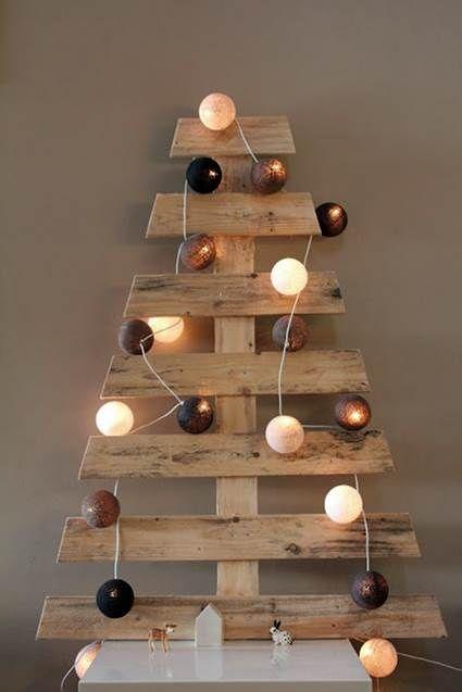 Árbol de navidad hecho con #palets #DIY #reciclaje