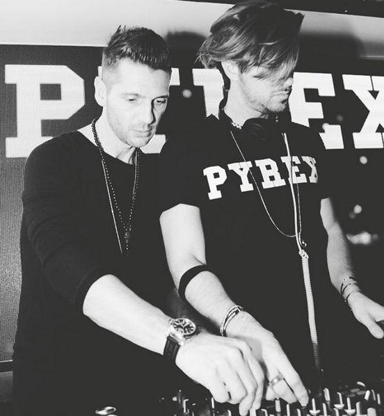 PYREX NIGHT #pyrex #new #collection #springsummer16 #pyrexoriginal #pyrexnight #deejays #berfisverona #pyrexstyle #nothingbetter #tshirt